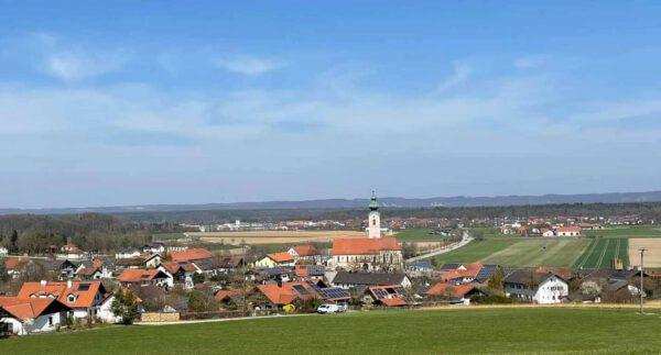 Ortsansicht mit Panorama von Mehring; Foto: Gemeinde Mehring