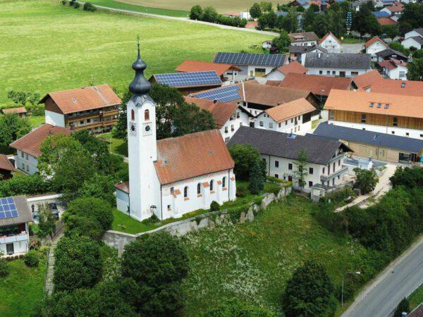 Ortsmitte von Perach; Foto: Gemeinde Perach