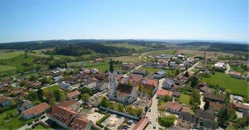 Luftaufnahme von Pleiskirchen; Foto: Luise Reiter